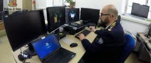 Chat pedopornografiche, blitz a Catania e Messina dopo la denuncia di una madre: 6 indagati