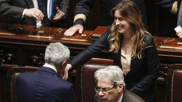 costituzione, ddl boschi, poltrone, riforme, Senato, Sicilia, Politica