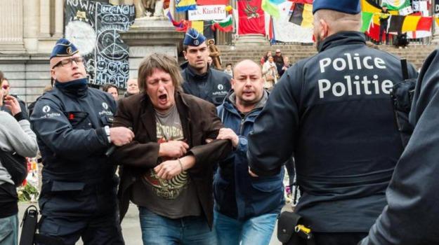 Belgio, cortei, pacifisti, Sicilia, Mondo