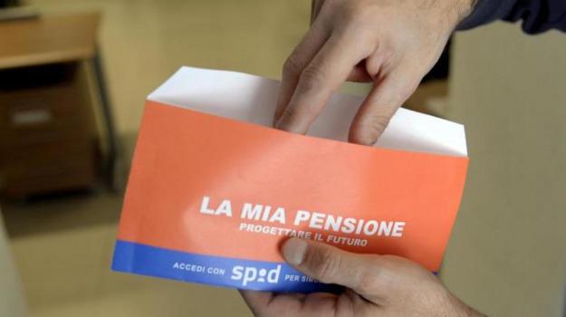 buste arancioni Inps, pensione, Sicilia, Economia