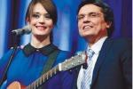 Carmen Consoli stasera a «Meraviglioso» su Tgs, penultima puntata dello show di La Rosa