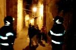 Paura per un crollo a Caltanissetta, evacuate tredici persone - Video