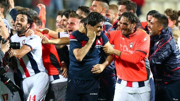 Calcio, crotone, SERIE A, Sicilia, Sport