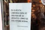 """""""Qui non si vende il libro di Riina"""", il cartello in una libreria a Catania"""