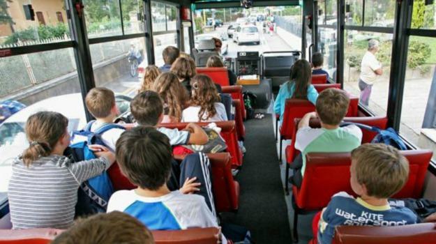 cia, gaffe, materiale esplosivo, scuolabus, Sicilia, Mondo