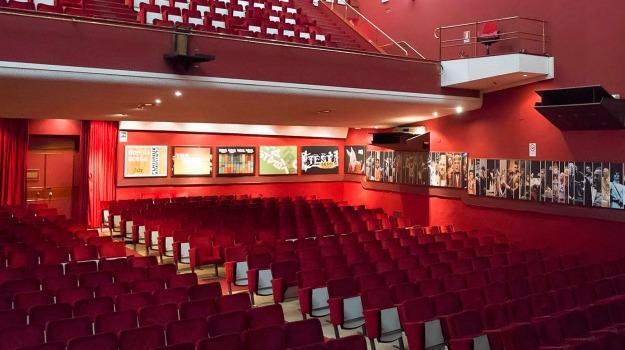 teatro stabile di catania, Catania, Cronaca