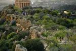Tra sport e archeologia, domenica di trekking nella Valle dei Templi