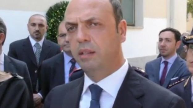 governo, ministro, referendum, Angelino Alfano, Sicilia, Politica