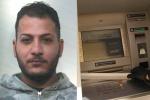 Sorpreso a rubare nel Palermitano: ecco le foto del bancomat sabotato