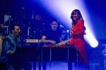 Inedita Belen: la showgirl in concerto a Napoli insieme a Tony Colombo - Foto