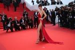 Bella Hadid mozzafiato a Cannes: suo il red carpet più fotografato del Festival - Foto