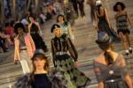 Glamour e rivoluzione, a Cuba sbarca la moda di Chanel: le foto della sfilata