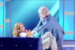 Bacio rubato a Barbara D'Urso: in tv è Ferrero show - Video