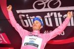 Giro, crono a Roglic ma Brambilla tiene la Maglia rosa