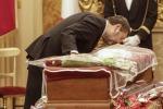 Marco Pannella, allestita la camera ardente: l'omaggio dei politici