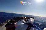A Messina una nave con 402 migranti, molti i minori non accompagnati