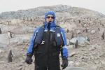 Canta 'O sole mio in Antartide: la reazione dei pinguini è esilarante