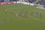 Rovesciata al limite dell'area ed è gol: l'impresa in campo di un calciatore svedese - Video
