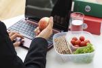 Dagli impiegati alle casalinghe, come cambia la dieta in base al lavoro
