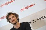 Robert Pattinson, il vampiro del cinema compie 30 anni - Foto