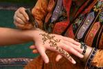 Gli esperti: anche i tatuaggi all'hennè possono causare allergie