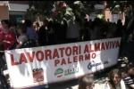 Nuovo confronto al ministero sul futuro dei lavoratori Almaviva: sit-in a Palermo - Video