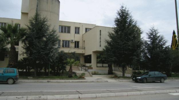 salaparuta, sindaco Salaparuta, strade salaparuta, Michele Saitta, Trapani, Cronaca