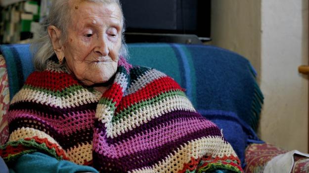 donna più vecchia del mondo, primato, Sicilia, Società