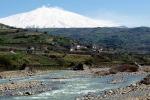 Angoscia per due giovani dispersi nel fiume Simeto, scattano le ricerche