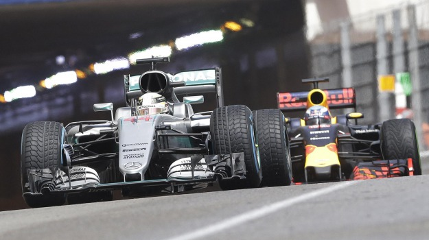 Ferrari, formula 1, Mercedes, Lewis Hamilton, Sicilia, Sport