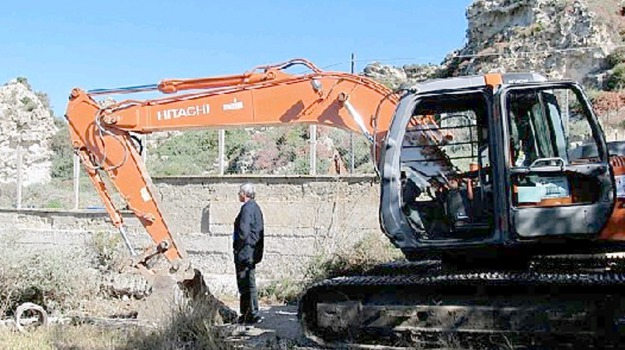 abusivismo edilizio, demolizioni licata, Agrigento, Cronaca
