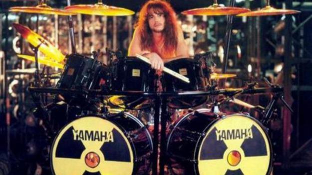batterista, infarto, Los Angeles, Megadeth, Sicilia, Cultura