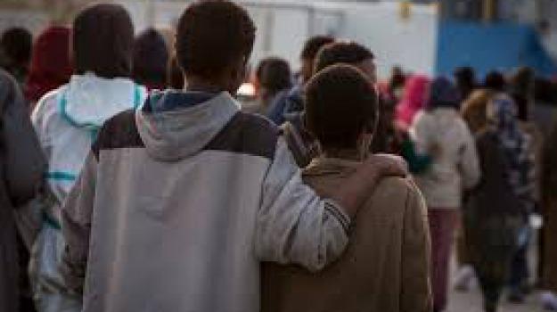garante dell'infanzia, minori stranieri non accompagnati, Sicilia, Società