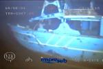 Un anno fa il naufragio con 700 vittime Il Mediterraneo restituisce i primi corpi