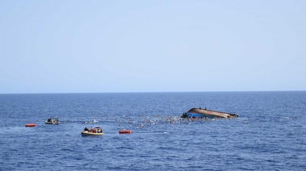 immigrazione, naufragio sicilia, Sicilia, Cronaca