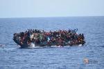 Nuova tragedia in mare, si rovescia barcone: 5 vittime, ma forse altri intrappolati