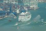 """Salpata dal porto di Miami la """"Adonia"""", dopo 57 anni una nave da crociera dagli Usa alla volta di Cuba"""