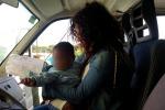 Mamma morta, a 9 mesi sola a Lampedusa. Arrivano le prime richieste di adozione