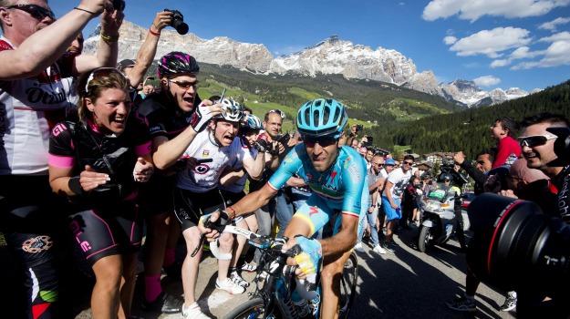 ciclismo, crono, giro d'iitalia, maglia rosa, Vincenzo Nibali, Sicilia, Sport