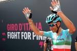 Riscossa Nibali sulle Alpi, trionfo tra le lacrime: dedica al ciclista morto a Messina