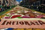 Infiorata di Noto, due giorni di fascino con migliaia di turisti