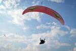 Precipita durante il volo col parapendio: muore catanese