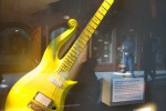"All'asta la chitarra di Prince, la ""yellow cloud"" a Beverly Hills - Foto"