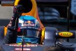 Daniel Ricciardo esulta dopo la pole a Monaco