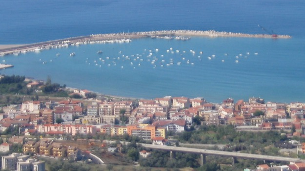 porto sant'agata di militello, Messina, Economia