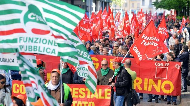 iscritti sindacati sicilia, sindacati, Sicilia, Economia