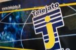 """Maniaci tace, il tg di Telejato lo difende: """"Finalmente è arrivata la vendetta dei poteri forti"""""""