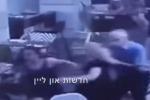 Gente che scappa, paura e caos a Tel Aviv: in un video il momento dell'attacco