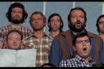 """Bud Spencer e il """"bo bobobo"""" cantato tra le fila di un coro: la scena epica - Video"""