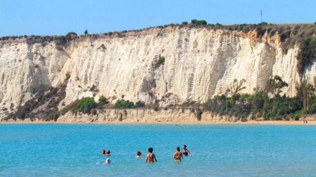 erosione costa cattaolica eraclea, Agrigento, Economia